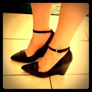 Nine West, Dark Brown/Black Sexy Pointed Toe Wedge